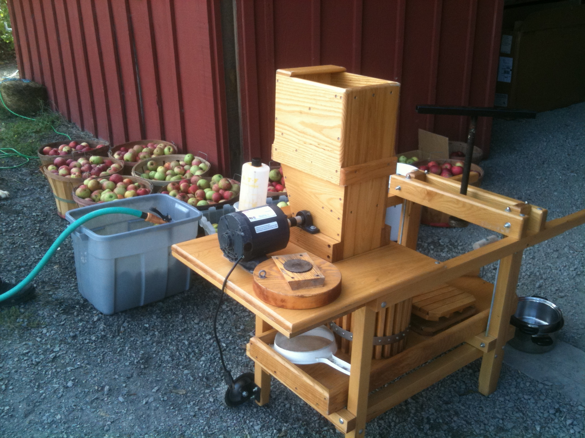 how to make a cider press at home
