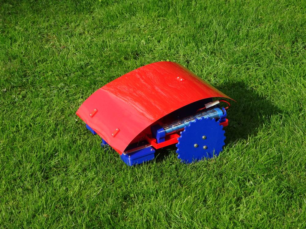 Top 5 Most Advanced Robotic Lawn Mowers Into